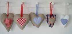 padded linen hanging hearts applique machine embroidery in the hoop
